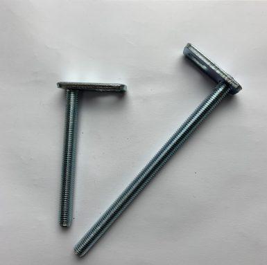 T skrūvju vītņots stienis ar metināšanas plāksni